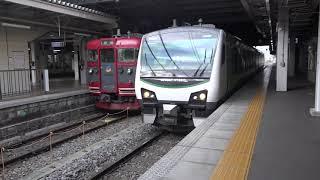 朝の通勤時に長野駅へ現れ飯山方面へ、ビデオカメラを付けたHB-E300系「リゾートビューふるさと」運用試運転列車。