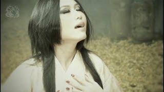 2011年2月9日に発表された15th Single『紺碧の双刃』より 表題曲「紺碧...
