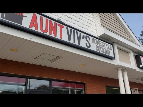 Does Aunt Viv's REALLY Serve Delicious Soulfood?