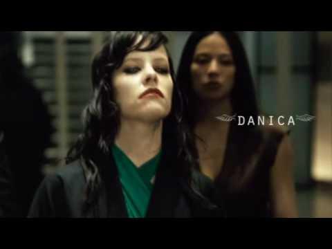 Female Vampires  Danica  the Hive Queen