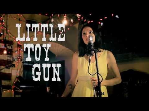 honeyhoney- little toy gun. live at the family wash (nashville).