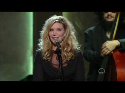 Jamey Johnson and Alison Krauss sing