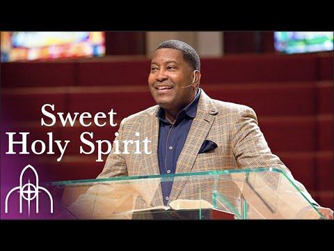 Dr. E. Dewey Smith Jr. singing Sweet Holy Spirit