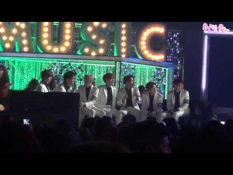 151107-2015 MMA Melon頒獎典禮-MONSTA X看EXID表演超開心