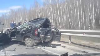 Страшное ДТП на трассе в Тульской области: грузовик придавил легковушку