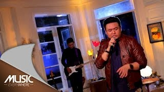 Fredy - Tolong Bu Dokter (The Flowers Cover ) - Music Everywhere **