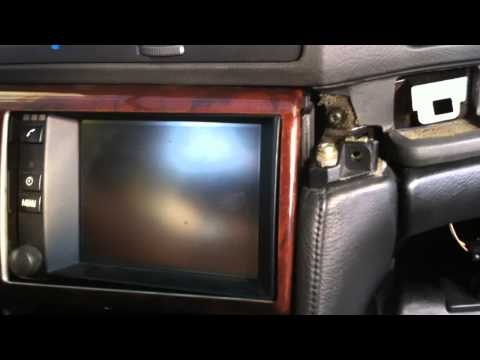 BMW 7 series E38 1994-2001 - How to remove the navigation display unit - Ako vymontovat navigáciu