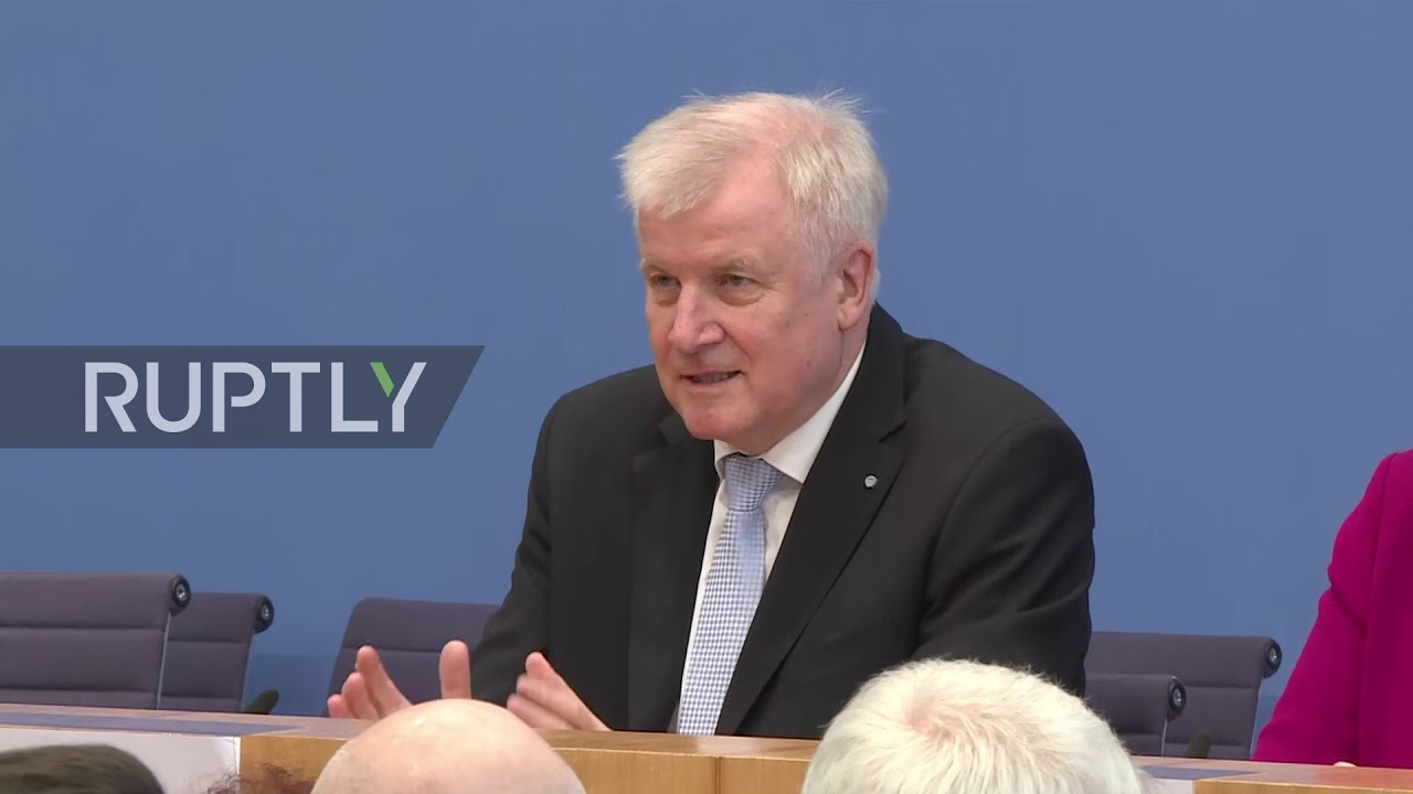 Germany: Not a 'love match' - Merkel, Scholz and Seehofer discuss new coalition agreement