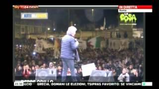 """Grillo dal palco dalla Notte dell'onestà lancia un """"vaffa"""" a Renzi   24 gennaio 2015"""