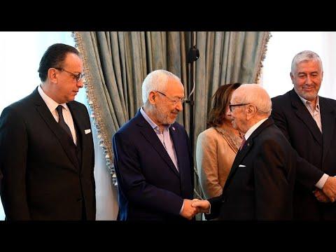 تونس: الأحزاب والنقابات ومنظمات المجتمع المدني تبحث سبل الخروج من الأزمة  - 21:23-2018 / 1 / 13