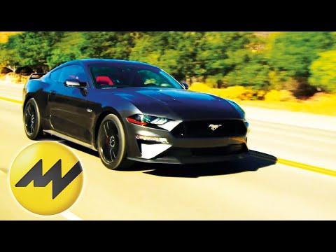 bmw-430i-vs-ford-mustang-|-motorvision