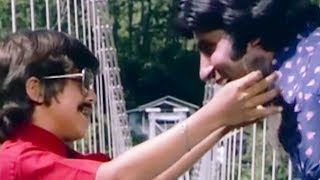 Amitabh Bachchan's son recognize him | Do Anjaane | Emotional Scene 24/31