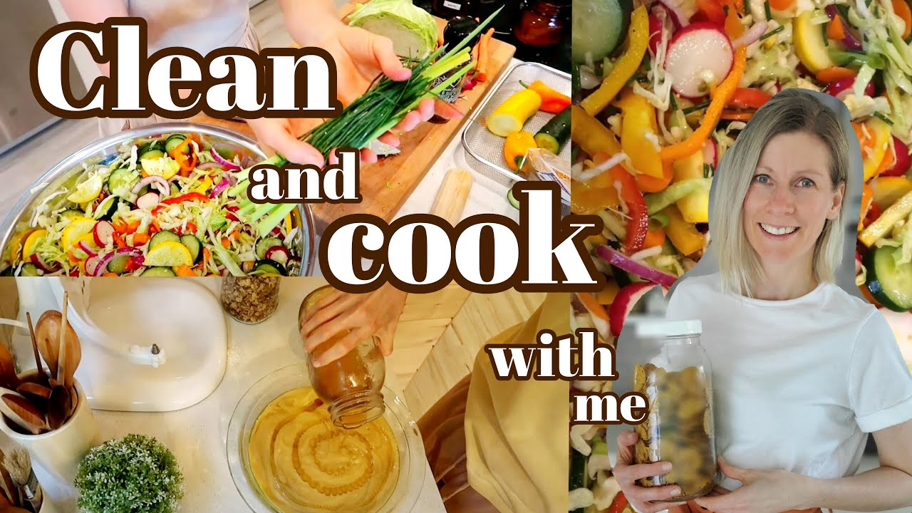 HOMEMAKING INSPIRATION - CLEAN WITH ME COOK WITH ME -ALL NATURAL HOME MADE CLEANERS