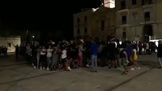Una piazza bianco-azzurra per il flash mob con la Talos Basket Ruvo
