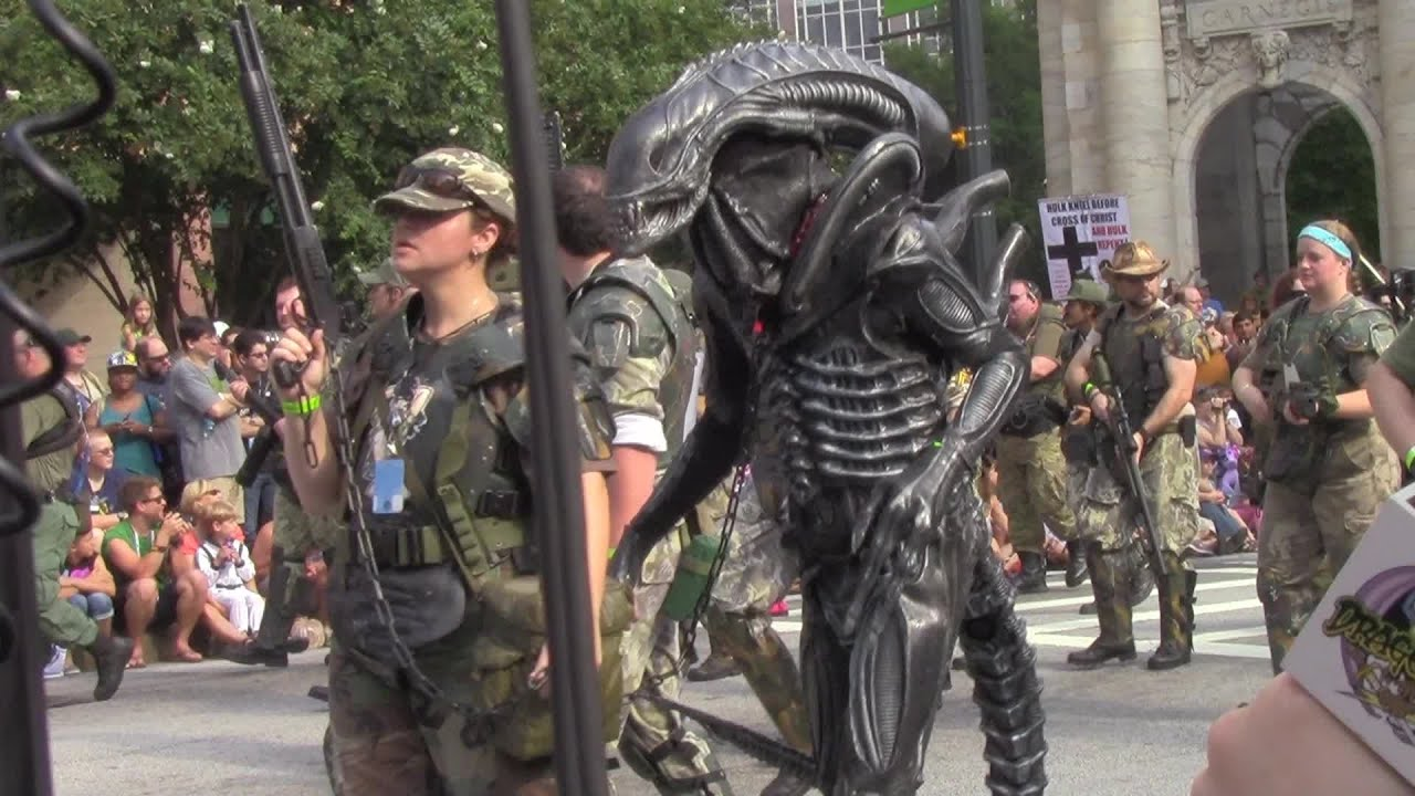 Dragon Con 2013 - ALIENS Colonial Marines Entrance by Cosplayer Nation - YouTube & Dragon Con 2013 - ALIENS Colonial Marines Entrance by Cosplayer ...