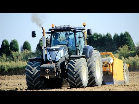 Dozing with a New Holland T7050 Black Power with BOS GIGA- schuifdozer + GREAT SOUND