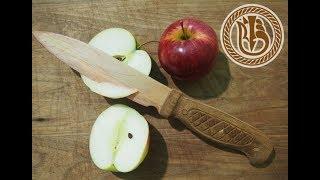 wood carving. Нож деревянный - это не сон: ручка- орех, лезвие -клён.