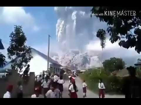 ज्वाला मुखी फटा ,बर्बादी -Recent Eruption Of Mountain Sinabung In Sumatra's Island Of Indonesia Live