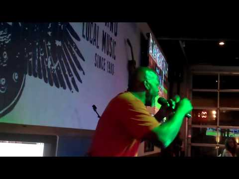Leo Davis sings at Wild Wing Cafe 9-26-2017