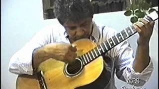 João do Pinho - Bateria de escola de samba e catira no violão.wmv