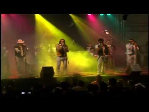 Arrecife - Concierto Mas Swing: Difosatv presenta a los artistas guatemaltecos en un concierto en vivo, este es el caso de ARRECIFE, éste concierto esta en el DVD llamado MAS SWING y fue grabado en el Parque de la Industria de Guatemala. Si desean algo mas de ARRECIFE búscalos en:  Web: http://www.difosamusic.com/  Radio Online: http://www.live365.com/stations/epiril?site=pro Facebook: http://www.facebook.com/profile.php?id=1035048184 Twitter: http://www.twitter.com/#!/difosamusic