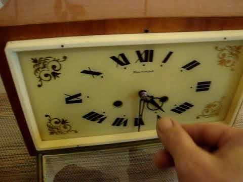 Часы настольные,каминные Янтарь с боем
