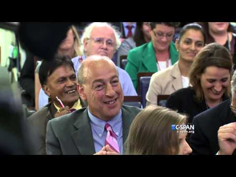 Siri answers a question at White House Press Briefing (C-SPAN)