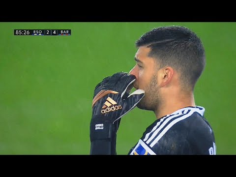Goalkeepers Still Searching for Ball ● Shocked by Lionel Messi ||HD||