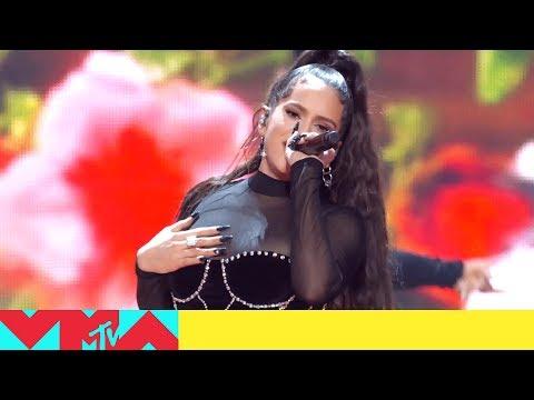 Rosalía: un huracán en los MTV Awards