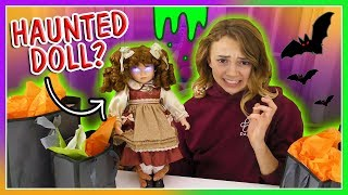 Besties Worst Gift Ever Challenge For Halloween | We Are The Davises