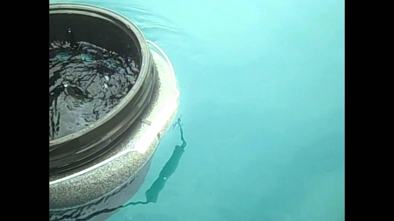 DIY LIVE WELL FLOATING BAIT BUCKET - YouTube