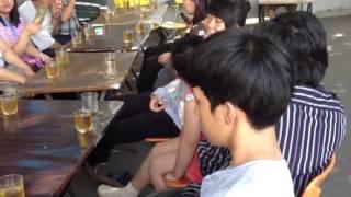 Nhac Viet Nam | ....Ăn xong giờ đang ngồi quán chờ càe uống ở quán Cây Si gần nhà Anh Sơn. | ....An xong gio dang ngoi quan cho cae uong o quan Cay Si gan nha Anh Son.