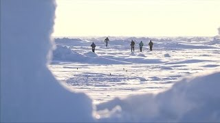 This is the Crazy NORTH POLE MARATHON With Temperatures Below -30°C