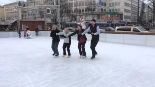 Münchner Rundtanz auf dem Eis mitten in der Stadt - Dipferl