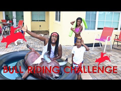FAMILY Swimming Pool Challenge with Inflatabull