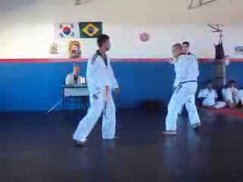 Combate Julio Roberto pegando faixa preta Taekwondo...