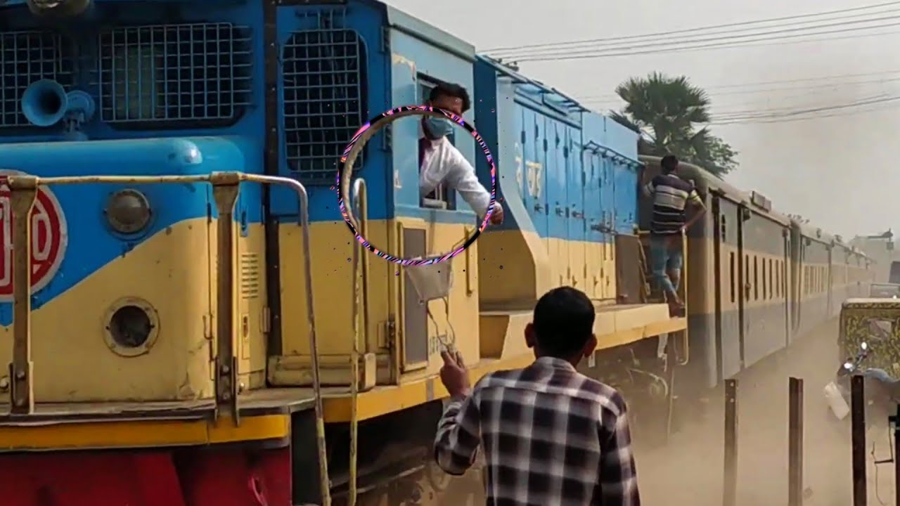Token Exchange || Bijoy Express With dusty speed || Taking PLC from Running Train