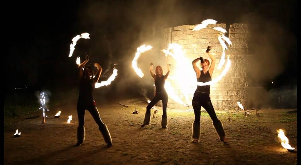 Фаер-шоу от арт-проекта Иллизиум. Fire-show from art-project ILLIZIUM