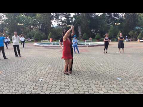Bachata căn bản - CLB Khiêu vũ dưỡng sinh Nhịp sống vui
