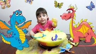 #Веселые #игры для детей Игрушки ДРАКОНЫ и #ЦВЕТНАЯпена(Дианка весело #играет #драконамиигрушками. #Смамой делает озеро для драконов из #цветнойпены. Наши драконы..., 2016-05-26T12:22:45.000Z)