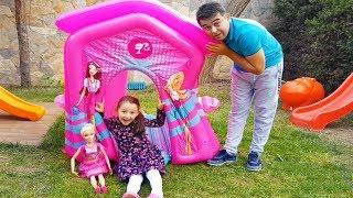 Öykü and Barbie Surprise play house!!! - Funny Oyuncak Avı Öykü