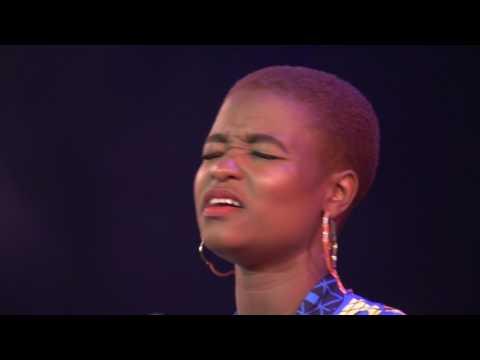 Sipho Ngwenya ft Lydia Molise - Lala Honna (Live)