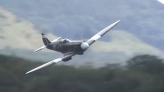 Supermarine Spitfire AWESOME SOUND !!!
