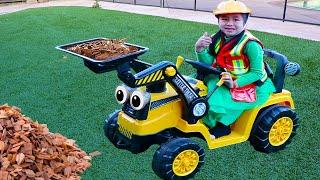 珍妮假装玩小泰克挖掘机Jannie Pretend Play Little Tikes Dirt Digger