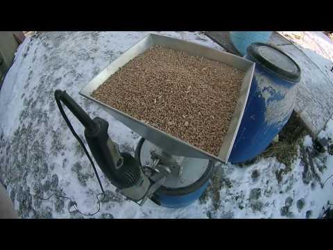 Делаем пшеничную водку ч.1 Затираем пшеницу с помощью ферментов.