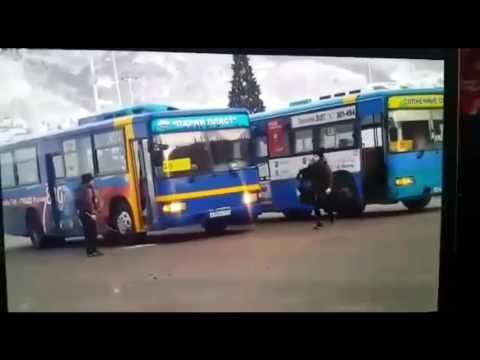 Драка водителей автобусов