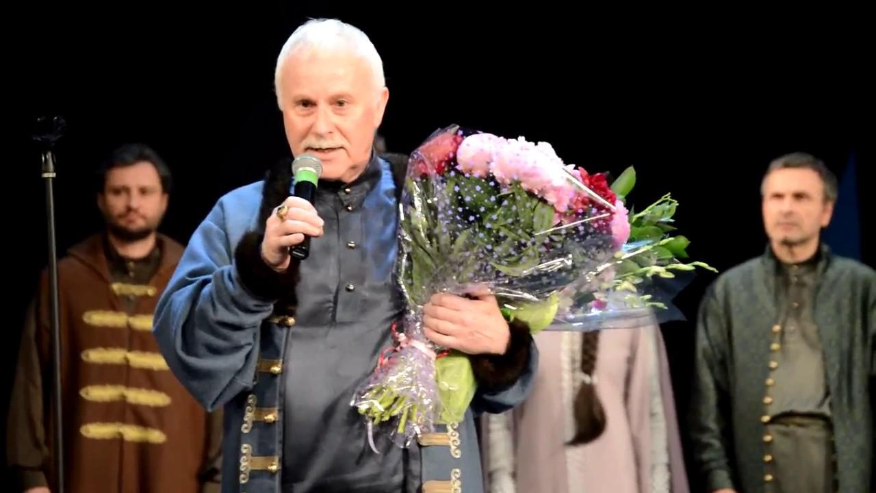 От коронавируса скончался заслуженный артист России