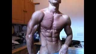 Rowan Row morning flexing before Miami Pro Uk Championships