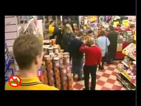 Toys Commercials 100 Greatest Toys with Jonathan Ross   No  74 Furbys-9