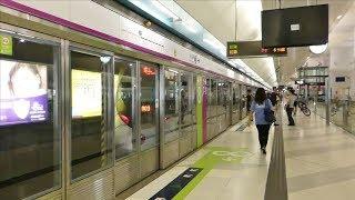香港MTR西鉄線朗屏駅で7両編成到着